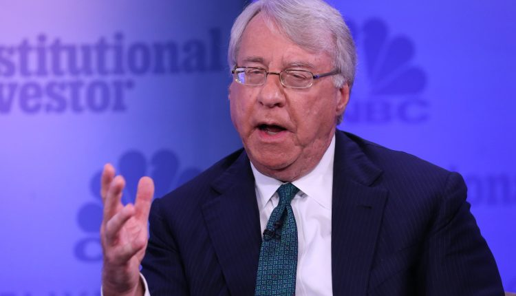 Jim Chanos says the market is entering risky phase and