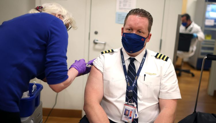 United to require Covid vaccinations for its 67,000 U.S. employees