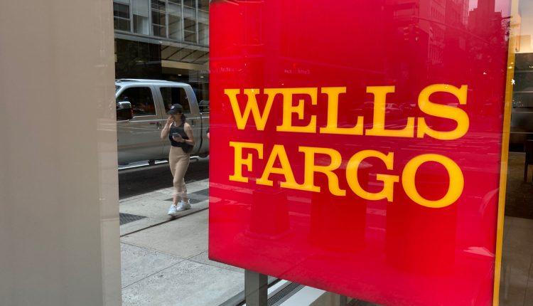 Wells Fargo delays return-to-office plans until October