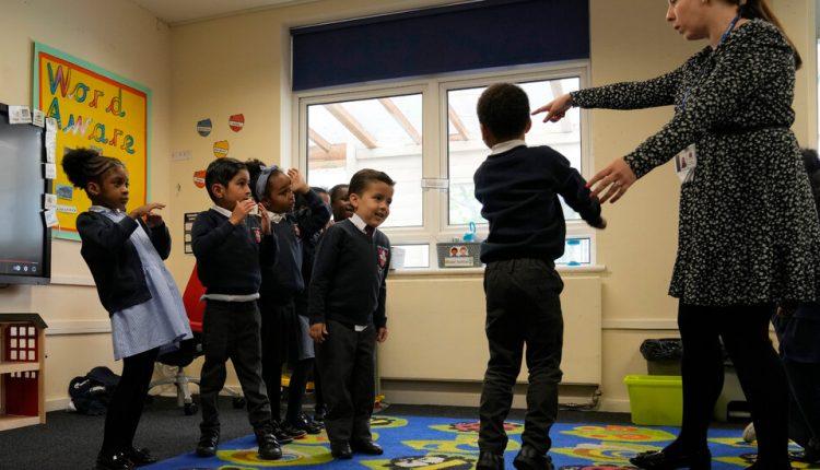 In Britain, Young Children Don't Wear Masks in School